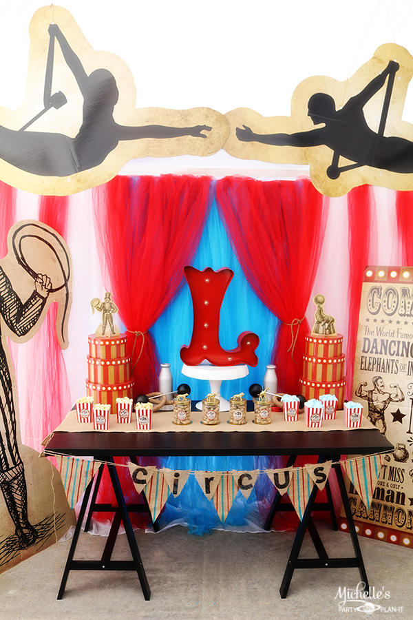 Vintage Circus Party Table